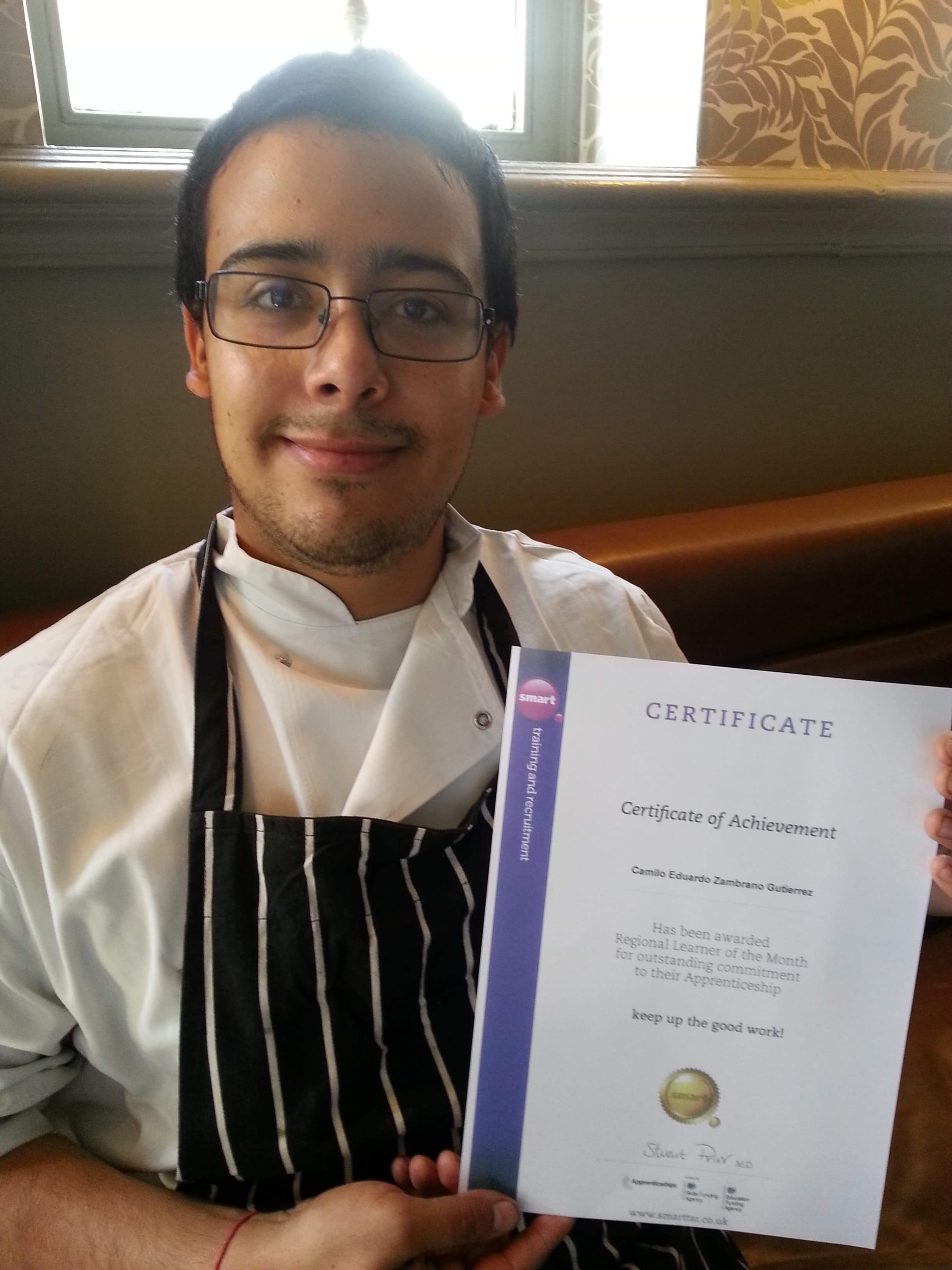 An image of National Apprentice Chef Camilo Gutierrez with his diploma